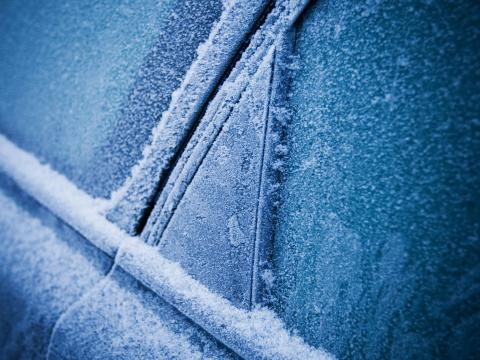 Vehicle window defrosting tips